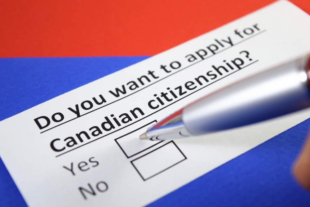 How can an American become a Canadian citizen