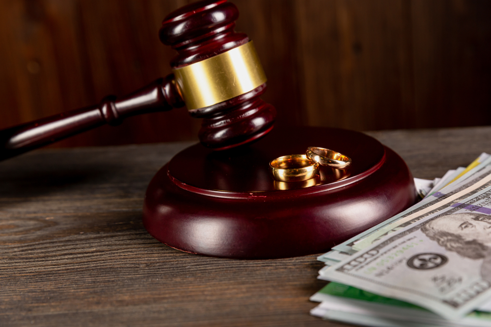 What determines spousal support in a divorce
