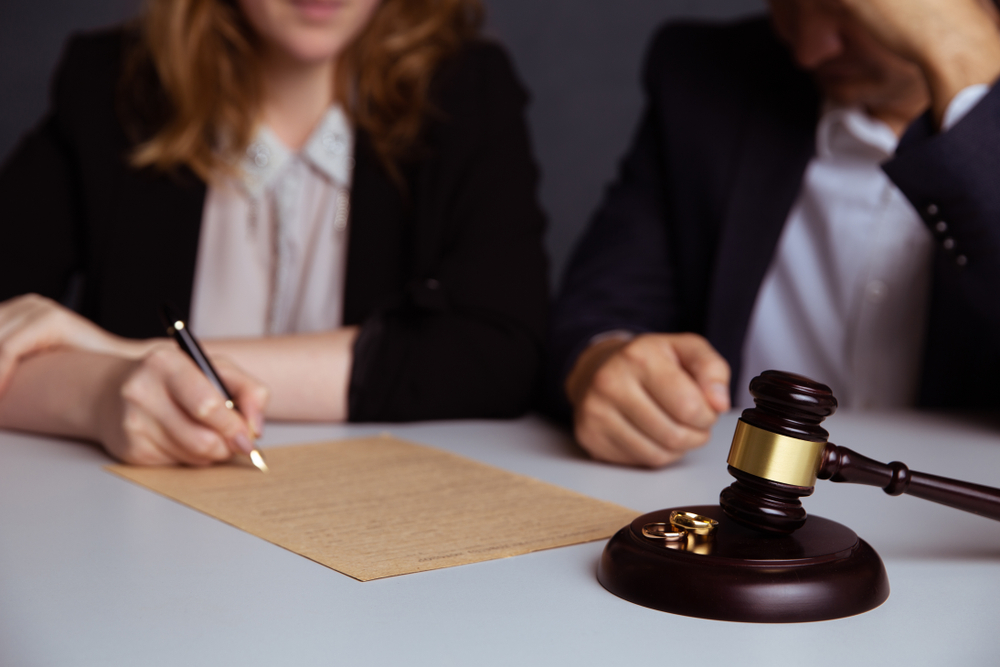 What should a woman ask for in a divorce settlement